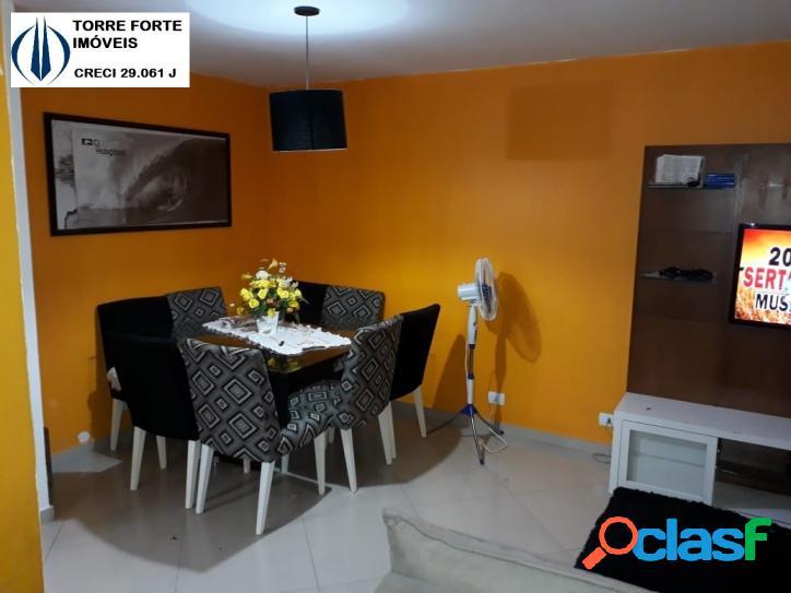 Linda casa com 3 dormitórios na Vila Formosa. 2 vagas de garagem! 3