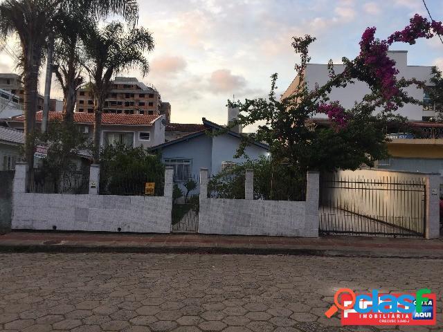 Casa 03 dormitórios (suíte), venda, bairro abraão, florianópolis, sc