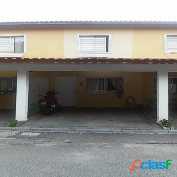 Casa em condomínio bairro dos casa.