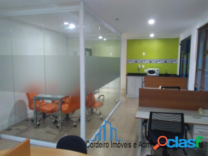 Sala totalmente mobiliada