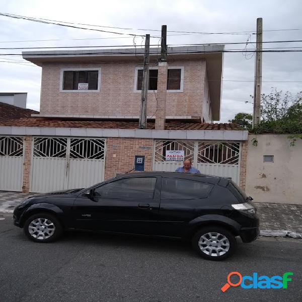 Ótima casa de condomínio em bairro nobre de praia grande, 02 dorm, 85 metro