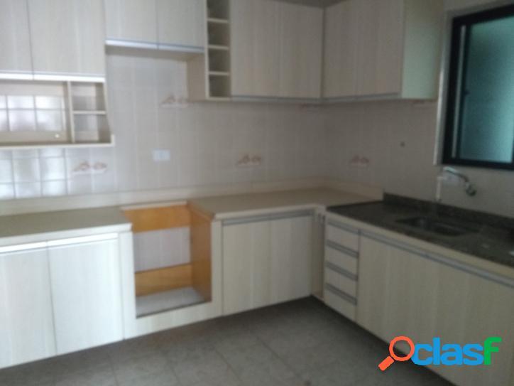 Apartamento, 2 dorm, sala, cozinha, banheiro, área de serviço com dependência empregada e uma vaga de garagem canto do forte.