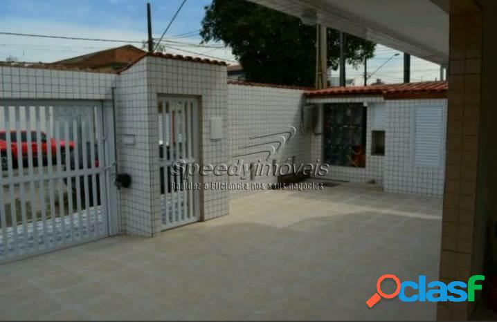 Casa para vender em Santos com 2 dormitórios no Estuário. 3