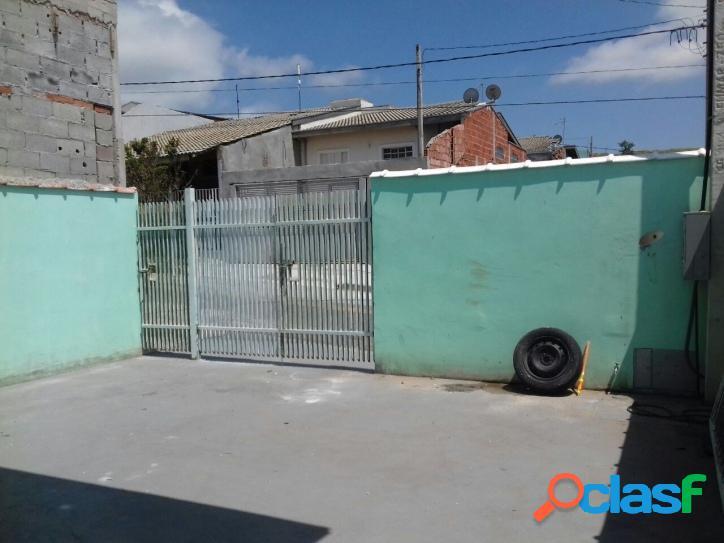 Alugo Casa 2 dormitórios - Jardim Santa. Júlia