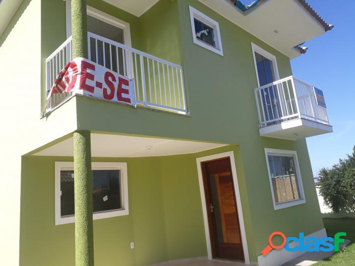 Linda casa duplex com 3 quartos! a uma quadra da praia!