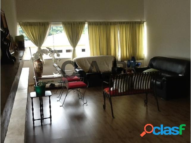 Casa A venda com 4 dormitórios no condominio Valville 1