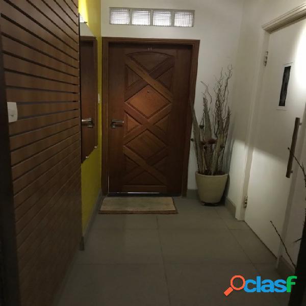 Apartamento 3 Dormitórios- Elevador- Garagem- Ponta da Praia 2