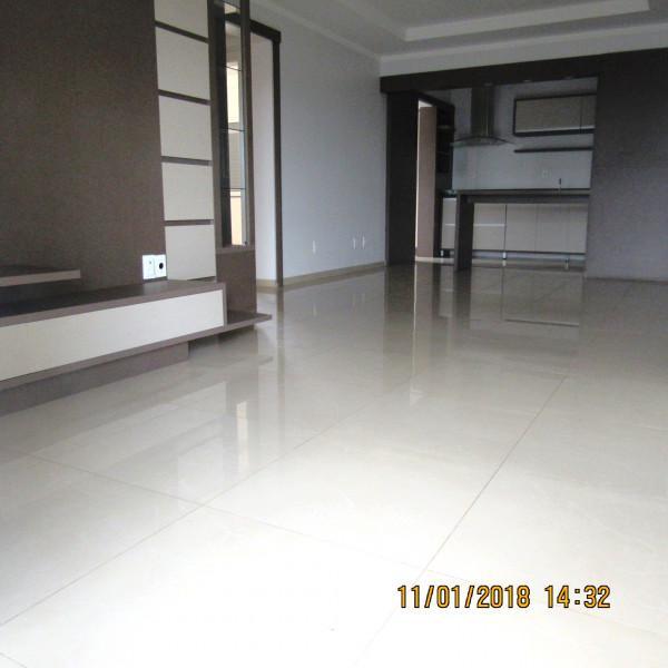 Maravilhoso apartamento, semi-mobiliado
