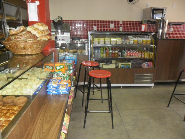 Equipamentos para padarias lanchonetes e restaurantes é com