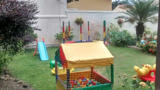 Fazendo a festa locacoes de brinquedos, mesas e