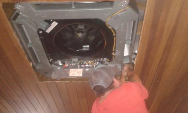 Manutenção/instalação ar condicionado