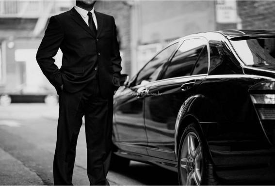 Transporte executivo para viagens, aeroporto, reuniões
