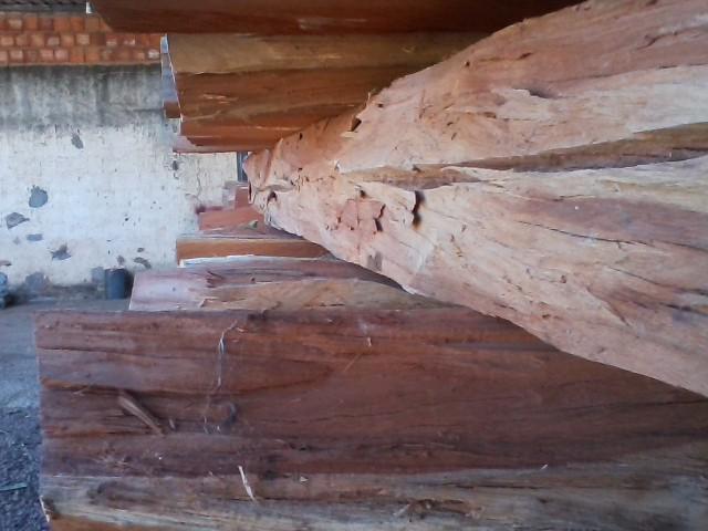 Aroeira eucalipto tratado pra cerca curral