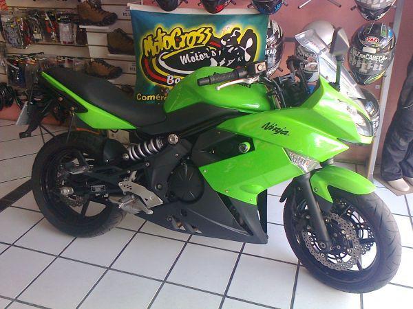 Kawazaki, ninja 650r, cor verde, modelo 2011.