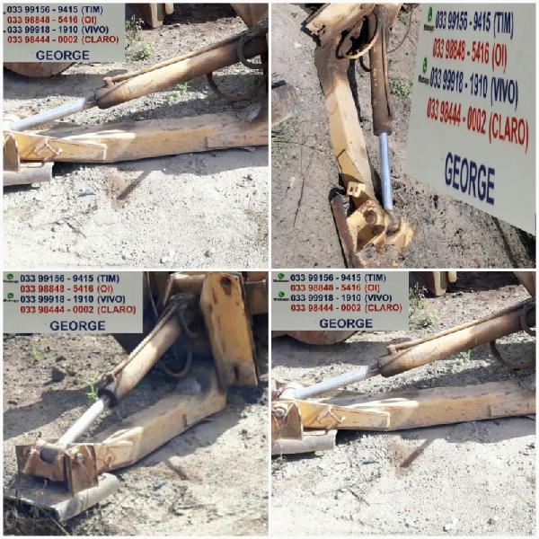 Par de sapatas hidraulicas,com as bases estabilizadoras da