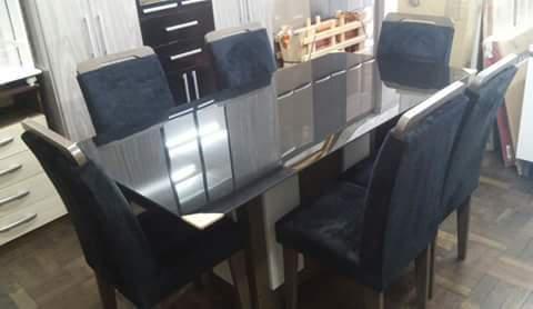 Mesa com 6 cadeiras vidro fume 1,80m +estante home