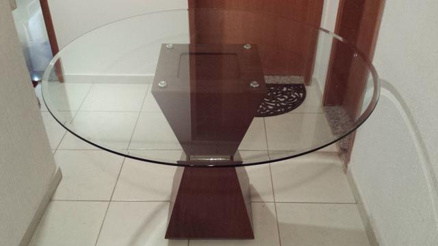 Mesa redonda de vidro para sala
