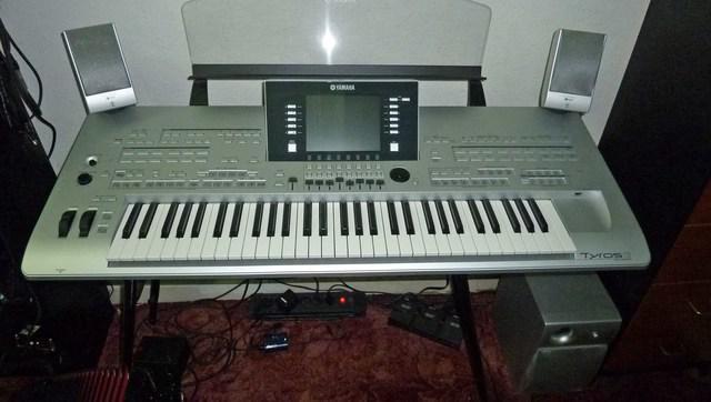 Yamaha tyros 3 teclado 61 chave e roland td 20s v pro