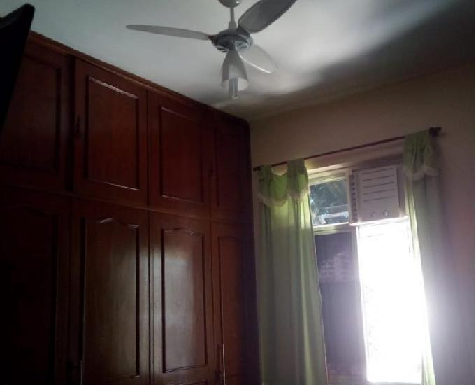 Alugo apartamento de 3 quartos mais varanda