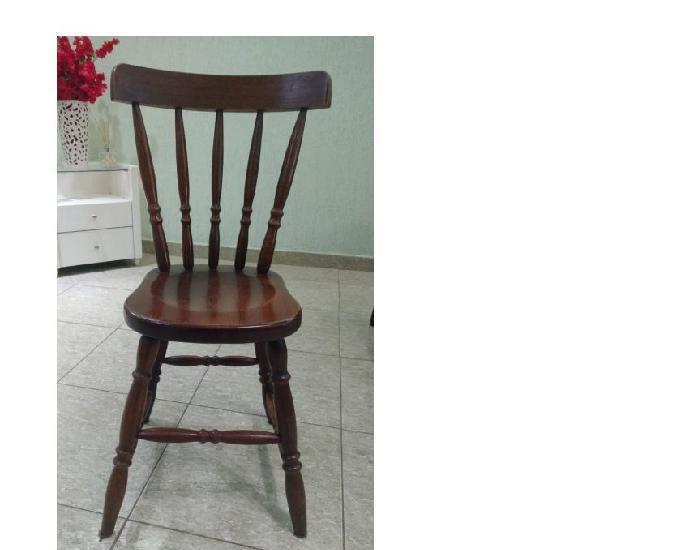 Mesa com 4 cadeiras madeira maciça