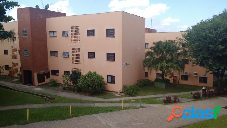 Apartamento condomínio planalto