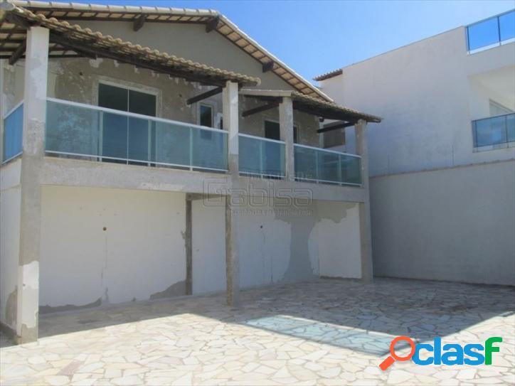 Casa duplex em condomínio