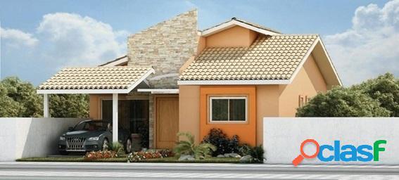 Casa independente em condomínio