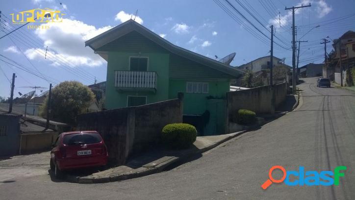 B. Vista Alegre - Casa com 03 Dormitórios (Sendo 01 Suíte)