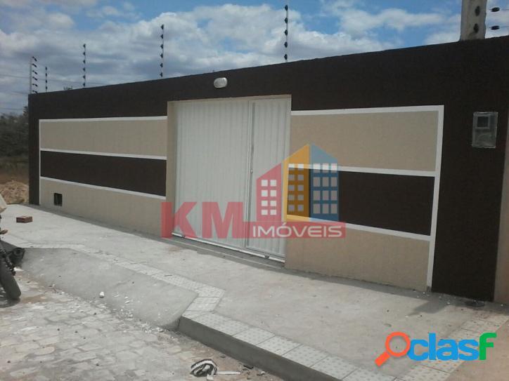 Vende-se casa nova com terreno de 200 m²