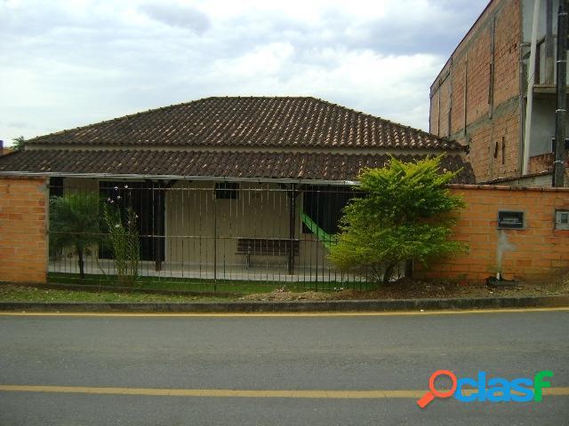 Vende-se ou troca ótima casa no estrada nova em jaraguá