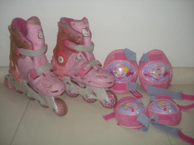 Vendo patins infantil da hello kitty rosa usado em perfeito