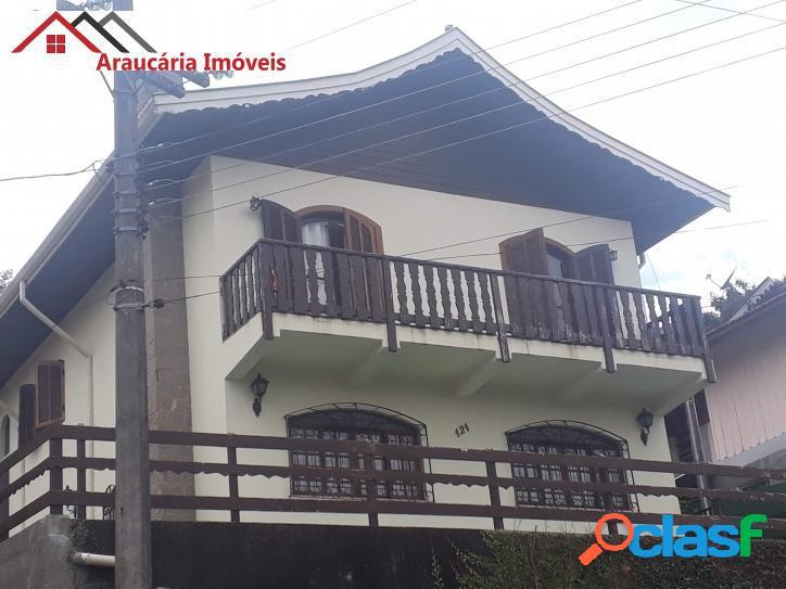 Casa assobradada a venda com 04 quartos e edícula na região vila jaguaribe.