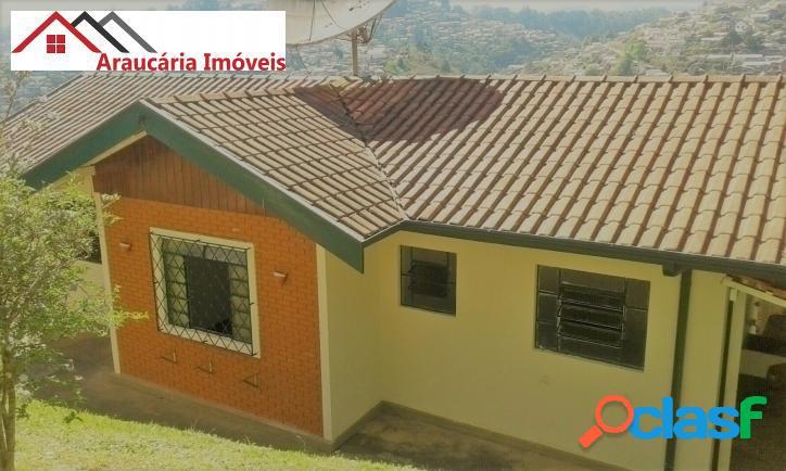Casa assobradada a venda, com 05 quartos e Edícula na Região de Abernéssia. 1