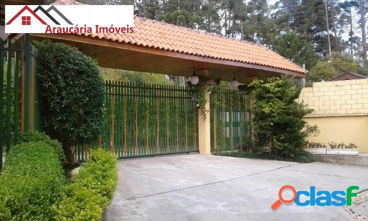 Linda Casa em Condomínio para Venda com 05 quartos em Vila Inglesa. 1