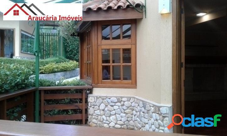 Linda Casa em Condomínio para Venda com 05 quartos em Vila Inglesa. 2
