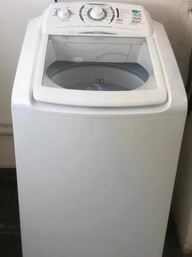 Máquina de lavar roupas eletrolux 10kg.
