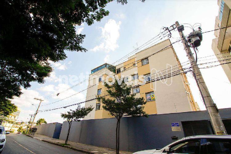 Apartamento, cinquentenário, 3 quartos, 1 vaga, 1 suíte