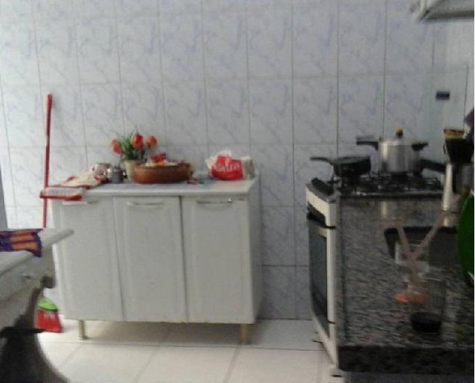 Cabo frio, jardim excelsior, casa quarto sala com mobilia.