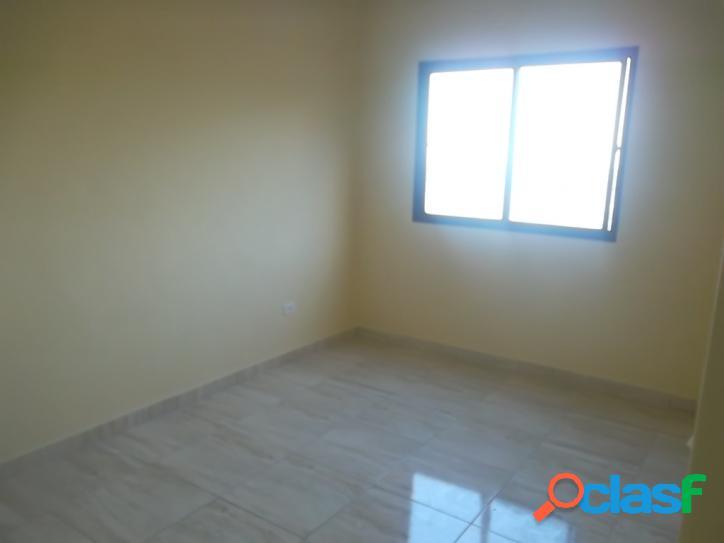 Apartamento 2 dormitórios, totalmente reformado com vista para o mar 2