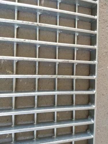 Galeria para agua da chuva galvanizado 100 x 28,5 cm novo