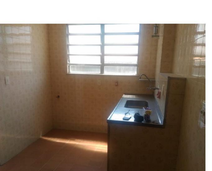 Apartamento 75 m² 2 qts com dependencia