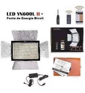 Iluminador led yongnuo yn600 l il com fonte de energia