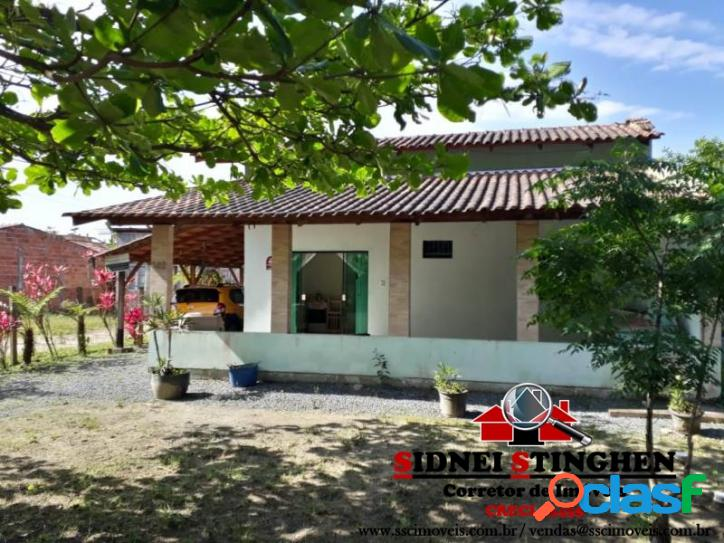 Casa seminova com laje, na praia de Bal. Barra do Sul-SC.