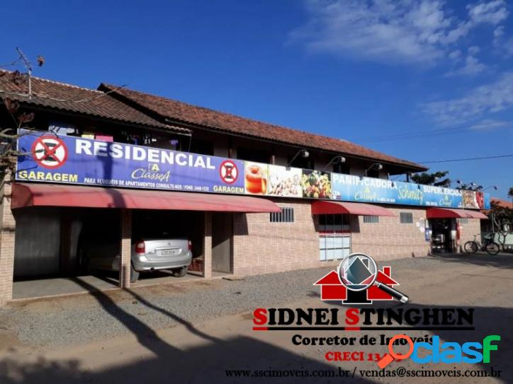 Sobrado comercial e residencial na praia de Bal. Barra do Sul - SC.
