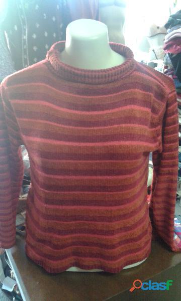 Fardo de roupas de lã com 300 peças