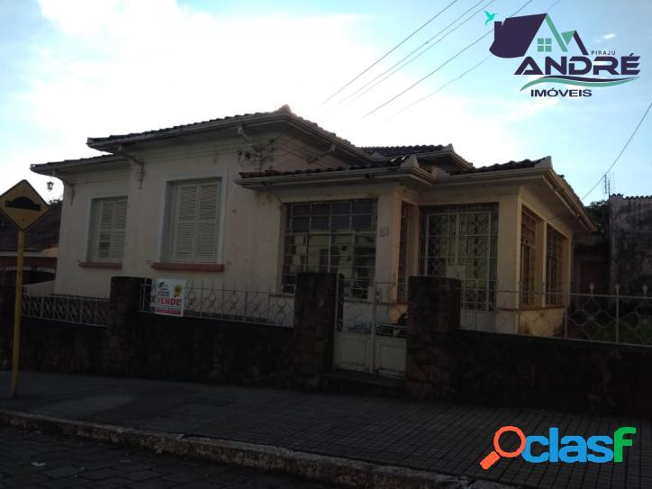 Casa, 4 dormitórios, 273m², no Centro, Piraju/SP.