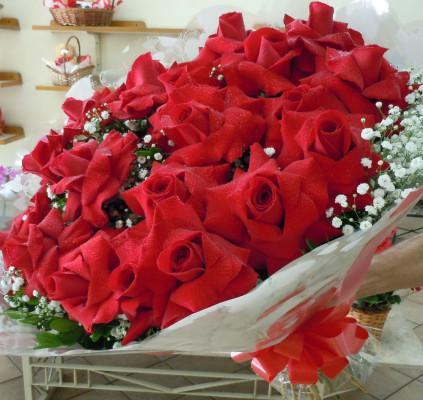 Bouquet com 12 Rosas Colombianas Vermelhas