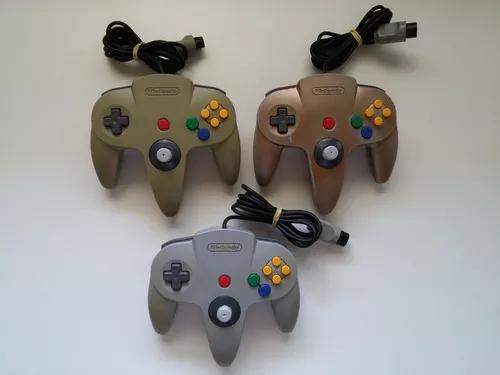 Controles originais com analógico tipo game cube