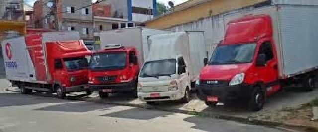 Frete transporte caminhões e vans bau plataforma