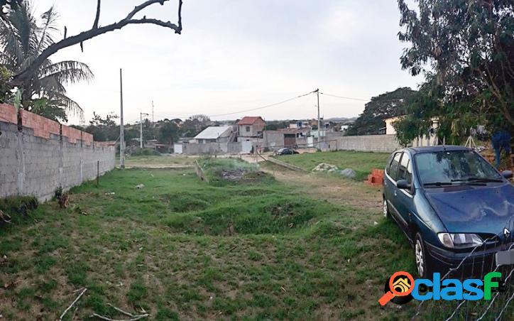 Casa independente com terreno de 1068m² na reserva do peró